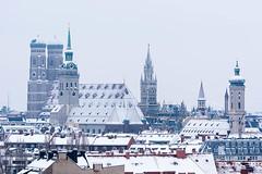 Winter-Panorama in München (bayernphoto) Tags: muenchen munich winter panorama isar deutsches museum bavaria bayern frost kalt schnee frauenkirche alter peter peterskirche rathaus altes neues heilig geist kirche vater rhein brunnen muellersches volksbad patentamt europaeisches europa baeume verschneit aeste cold freeze