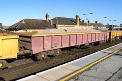 503579 Faversham 170218 (Dan86401) Tags: faversham 6y81 503579 mla bogie open ballastbox wagon freight greenbrier ews db dbcargo redsnapper fishkind engineers departmental infrastructure