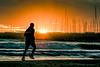 Marathon Man (the nenuco 123) Tags: valencia spain nikon d5300 tamron 70300 sunrise marathon man naranja orange sol sun nike rollingstoniano