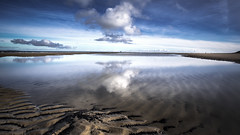 Beach Reflection Vlieland (MartinFechtner-Photography) Tags: beach reflection vlieland insel island dutch netherlands starnd winter sky clouds wolken xt2 12mm samyang