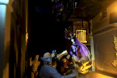 Paprihaven 1293 (MayorPaprika) Tags: canoneos50d huntress dcdirect drmidnite universe alley back dark fight fire escape 112 custom diorama toy story paprihaven action figure set 80s 90s generic knockoff bootleg