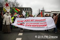 Demonstration: Von Kreuzberg nach Afrin - Tod dem Faschismus! Solidarität mit Rojava! – Berlin - 04.02.2018 – IMG_9149 (PM Cheung) Tags: toddemfaschismusdefendafrinlangleberojava berlin 04022018 rojava ypg ypj volksverteidigungseinheiten frauenverteidigungseinheiten repression sohr afrin efrîn türkei militäroffensivetürkei operationolivenzweig yekîneyênparastinajin manbidsch alqaida yekîneyênparastinagel operasyonunzeytindalı fsa demonstration kurdistan hermannplatz antifa 2018 pomengcheung polizei türkischenationalisten pmcheung interventionistischelinke oranienplatz ypgstattspd mengcheungpo facebookcompmcheungphotography vonkreuzbergnachafrintoddemfaschismussolidaritätmitrojava kurden pkk demo protest kundgebung präsidentreceptayyiperdoğan kriegspolitik rûbar solidaritätsdemonstration berlinkreuzberg neukölln russland usa syrien westkurdistan nordkurdistan bürgerkrieg anadolu autonomieregion syrischendemokratischenkräftesdf islamischerstaatis daesh stopptergogan topberlin afrinnotalone b0402 internationalistischedemonstration afrinoperation afrinunderattack defendafrin