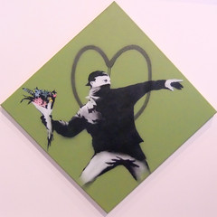 Don´t look back Banksy exhibition Amsterdam (Marco Braun) Tags: square quadrat carré graffiti walart streetart amsterdam 2017 exhibition banksy schwarz weiss white blanche noire black stencil schablone pochoire anarchy anarchie protest hollandnetherlandniederlandpaysbas