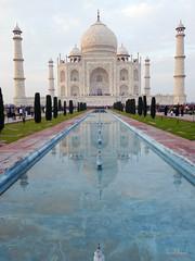 El Taj Mahal, símbolo del amor eterno de Shah Jahan y su esposa Mumtaz Mahal (Agra-Uttar Pradesh-India), 2013. The Taj Mahal, symbol of the eternal love of Shah Jahan and his wife Mumtaz Mahal (Agra-Uttar Pradesh-India), 2013. (Luis Miguel Suárez del Río) Tags: tajmahal agra india uttar pradesh shahjahan mumtazmahal reflejo