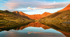 Llyn Llydaw, Miners Track, Snowdon (gmorriswk) Tags: sunrise mountains lake northwales reflections reflection waterscape landscape snowdonia snowdon