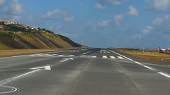 Runway all clear (Steenjep) Tags: madeira portugal ferie holiday urlaub airplan airbus flying sky cloud funchalairport airplane airfield runway truck landscape
