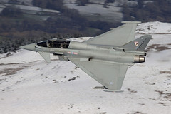 IMG_3554 copy© (Jon Hylands) Tags: eurofighter typhoon zj810 mach lowlevel loop snow royal air force