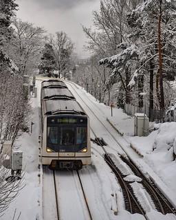Par tous les temps, le métro emmène les norvégiens jusqu'aux pistes de ski