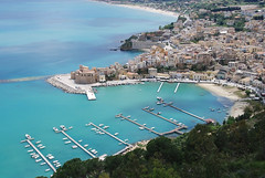 Castellamare (Dylan H, from the road) Tags: eu europe italy italia sicily sicilia castelamare ocean sky oldtown castle fortress moor beach