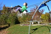 Hannah fliegt (ivlys) Tags: deutschland allemagne germany bayern allgäu pfrontenweissbach spielplatz playground hannah schaukel swing enkeltochter grandchild ivlys