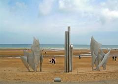 ARROMANCHES LES BAINS - NORMANDIA - (Francia) (cannuccia) Tags: paesaggi landscape normandia francia spiaggia monumenti people visualart