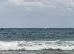 2017-04-18_13-30-35 Distant Sailboat (canavart) Tags: sxm stmartin stmaarten fwi orientbay sailboat waves