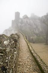Sintra, chateau des Maures (artnow2940) Tags: lisbonne portugal sintra castelo dos mouros clouds nuages castle tourcastle