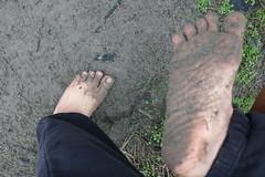 IMG_1254 (bfe2012) Tags: barefoot barefeet barefooting barefooted barefooter barefoothiking barefootlifestyle feet dirtyfeet toughsoles