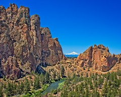 Smith Rock State Park 5919 B (jim.choate59) Tags: smithrock oregon cliff rock mthood jchoate river stream scenic landscape bend bendorgon on1pics rx100