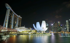 SINGAPORE MARINA BAY (meren34) Tags: marina singapore night panorama lights sea high sky line travel bay sandbay hotels long exposure show water