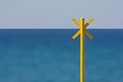 . (bluestardrop - Andrea Mucelli) Tags: mare sea sky minimal minimalismo giallo yellow blu blue longexposure lungaesposizione
