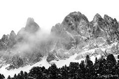 Val di Funes (gigiochef) Tags: montagna neve fiume ruscello baita malga valle funes dolomiti bianco nero nuvole temporale atmosfera natale