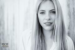 CelinaK-05 (Feicht Photography) Tags: outdoor outdoorshooting blondehaare femalemodel smile smiling lächeln sportmodel availablelight natürlicheslicht jungefrau feichtphotography
