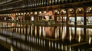 *Piazza San Marco @ acqua alta*