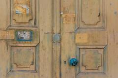 The Blue Knob (Tom Levold (www.levold.de/photosphere)) Tags: fuji fujixpro2 isfahan esfahan abstract abstrakt street door tür