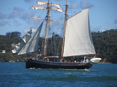 Sailboat, Russell (d.kevan) Tags: sails sailboats rigging people sea shores dinghies russell newzealand bayofislands