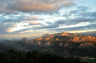 Atardecer desde el Fitu (Asturias)  Spain