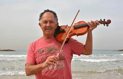 Fiddler on the beach (Poupetta) Tags: yossi fiddler violin beach telaviv