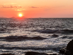 파일_001 (Daegeon Shin) Tags: iphone cellphone i6s sunset sun ocaso atardecer sol sky cielo nube cloud mar sea wave ola water agua buan corea korea 아이폰 휴대폰 태양 해 석양 일몰 하늘 구름 바다 파도 물 부안 전북