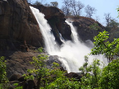 A mighty fall (Onlyshilpi) Tags: athirappilly kerala waterfall fall bahuballi green hill