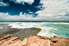 London Bridge Lookout - Melbourne (silvia_mozzon) Tags: londonbridgelookout londonbridge sorrento mebourne pointnepeannationalpark ocean oceano nationalpark national park australia aussie victoria travel viaggio travelphotography nature natura sea stones rocks landscape landscapesseascapescityscapes water waves clouds summer sony sonyalpha sonyalpha7 sonya7 alpha7 holiday manualfocus manuallens manuale laowa 15mm mare cielo costa paesaggio onde coast scogliera promontorio crashingwaves