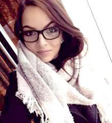 czech republic gwg (glassezlover_ahgain) Tags: czechrepublic girl glasses lady woman bryle divka holka pani českárepublika žena česká