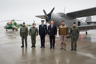 Nacionālo bruņoto spēku  Aviācijas bāzē atklāj lidlauka operāciju un glābšanas dienesta ēku un Gaisa spēku Mācību centru