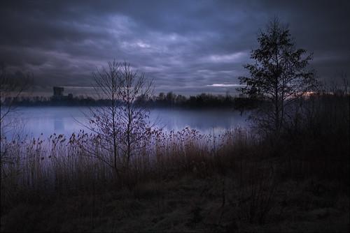 Fog over o lake