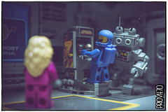 «This is the last one, I promise!» (Priovit70) Tags: lego minifigures benny kelly mrrobot videogames arcade defender spacestation outpostalpha classicspace olympuspenepl7