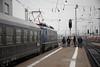 Frankfurt Hbf (Bixibahn) Tags: frankfurt hauptbahnhof zug eisenbahn dampflok dampfzug historisch steam train baureihe110 110428 per dampf über den gotthard zum lago maggiore classic courier sonderzug