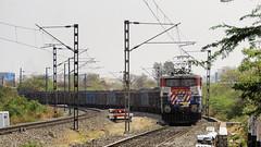 WAG7 class KZJ based 27554 (shivam.rai.111) Tags: wag7 class kzj based 27554 tiger twins veering rare locos indianrailways coal rake railroad railroading