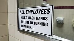 Anglų lietuvių žodynas. Žodis wash-hand reiškia a prausiamasis, prausimosi; wash-hand basin prausyklė lietuviškai.