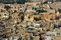 Jaisalmer (mbphillips) Tags: rajasthan jaisalmer जैसलमेर राजस्थान southasia india 인도 印度 インド asia アジア 아시아 亚洲 亞洲 mbphillips geotagged photojournalism photojournalist travel inde indien 캐논 canoneos450d canoneosrebelxsi canoneoskissx2 canon canon450d sigma18200mmf3563 sigma