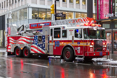 Ladder 10 FDNY (alexis boidron) Tags: fire truck ladder fdny new york manhattan firefighters ten 10 engine company units firefighter