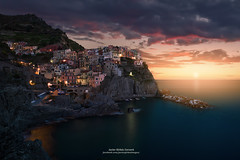 MANAROLA (Javier Girbés) Tags: manarola dusk atardecer spezia italia canon6d seascape landscape amanecer dawn sunset sunrise canon2470