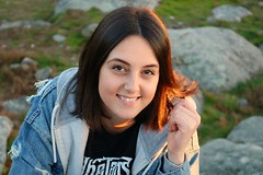 Marián (albavv46) Tags: portraitphorography portrait retrato friend like day face eyes sunny trip winter pontevedra amateur canonphotography camera galicia woman singer nature desenfoque 750d sol verde