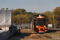 Working Crowley Tar (jwjordak) Tags: tankcar trees fence car sw1500 1502 ab industrial kent ohio unitedstates us