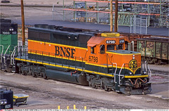 BNSF6798GB_DenverCO_260902 (Catcliffe Demon) Tags: bnsf atsf railroading railways usa sd402 emd diesellocomotive atchisontopekasantafe burlingtonnorthernsantafe colorado burlingtonnorthern usatrip2sepoct2002