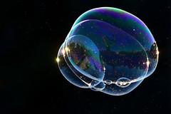 mondi concatenati (luporosso) Tags: bolle bolledisapone soapbubbles bubbles riflesso riflessi reflection refraction roma rome italia italy