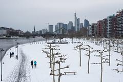 2018-Weseler Werft mit Schnee Mitte März (mercatormovens) Tags: frankfurt mainufer city