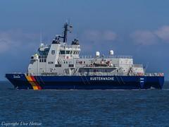 Küstenwache Borkum (U. Heinze) Tags: cuxhaven elbe nordsee vessel ship schiff norddeutschland wasser olympus boot boat
