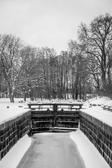 Lock in snow (Mattias Lindgren) Tags: nikond600 bw 50mmf18 linköping snow stångån sweden