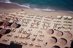 from above (.grux.) Tags: olympus35rc rangefinder film kodakultramax400 beach playalosmuertos beachofthedead sun sand waves pacific ocean banderasbay puertovallarta mexico