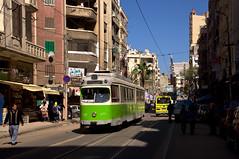Durch die engen Straßen östlich des Hauptbahnhofs entsteht durch die vielen sich überlagernden Linien ein dichter Takt. Der modernisierte Düwag-Gelenkwagen 836 im Bereich der Haltestelle Bowalino (Frederik Buchleitner) Tags: 836 alexandria duewag düwag gt6 ks kopenhagen københavnssporveje linie11 misr sechsachser sporveje strasenbahn streetcar tram trambahn aliskandariyya ägypten الإسكندرية مصر
